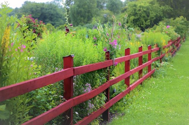 fence-883328_960_720
