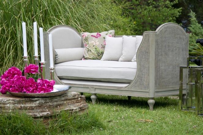 armchair-2591679_960_720